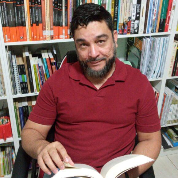Professor Roberson explica como a filosofia pode ajudar a enfrentar a pandemia